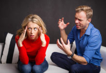 5 WAYS TO DETECT A DECEIVER IN A RELATIONSHIP